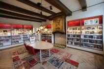bibliotheekinrichting-workum-spannend-actief