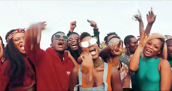 Ebony Hustle di me dwa music video featuring Brella.