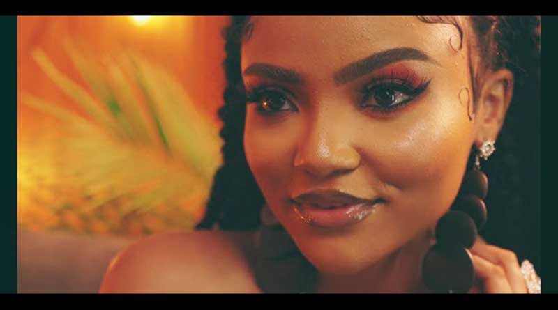 Ghanaian rapper D-Black featuring Akwaboah premiers Kiss And Tell Music Video directed by Kofi Awuah.