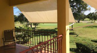 Apartamento con vista al campo de golf Cocotal – US$150,000