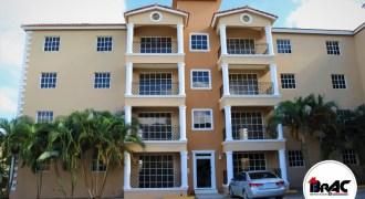 Apartamento de 3 habitaciones en Residencial Monte Santa María, Higüey.