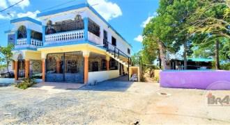 Se Vende Casa dos niveles Punta Cana