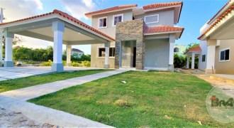 Se Vende Villa de 2 Niveles Residencial Quinto (5to) Centenario