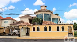 Casa grande Residencial Anamelia Higüey