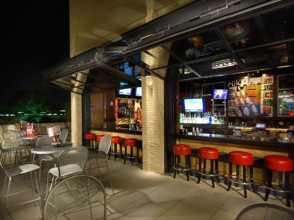 restaurant outdoor patio bars Schweiss Photo of the Day - TGIF Custom Bifold Restaurant