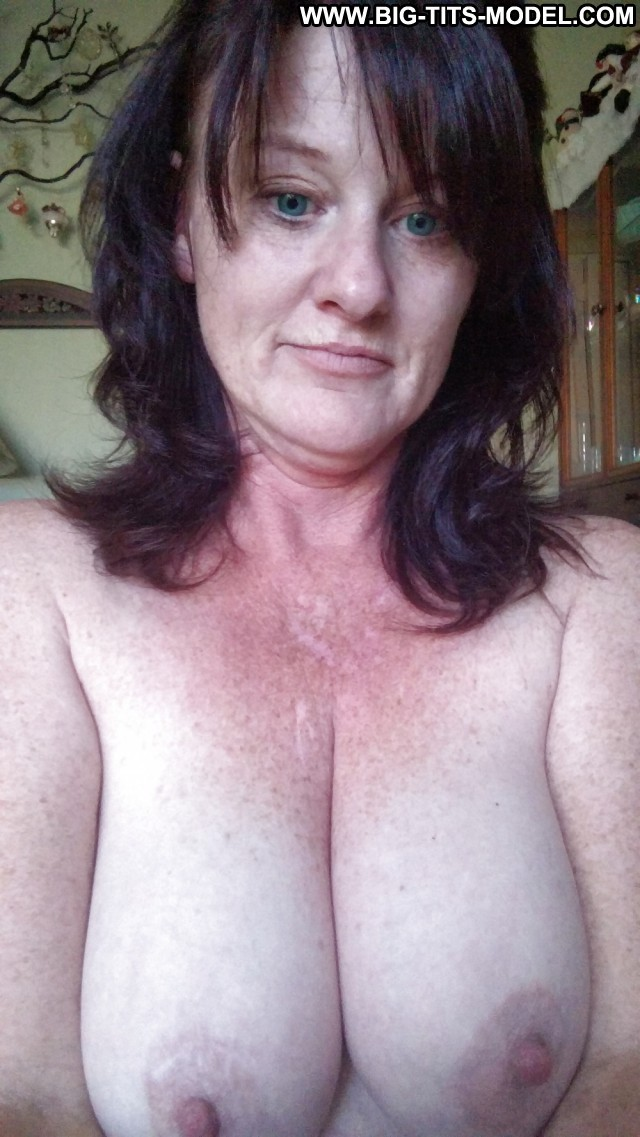 Hildegarde Private Pictures Big Boobs Big Tits Amateur Christmas Hot