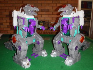 Toy Review - LG43 Trypticon vs Titans Return Trypticon