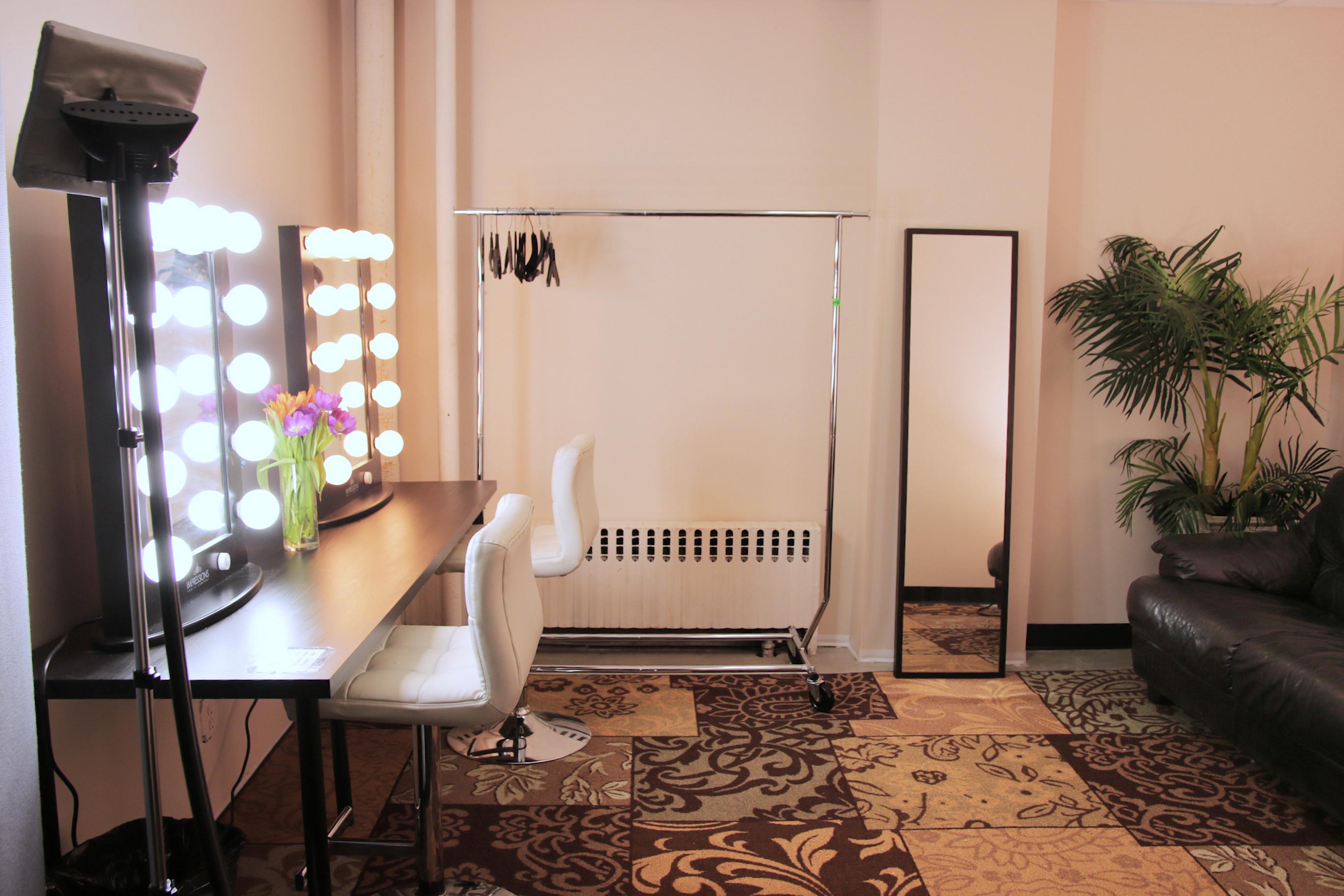 New York Sound Stages - Studio 6A - Big Apple Studios on Make Up Room  id=79078