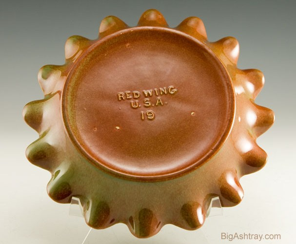 vintage red wing art pottery m1468