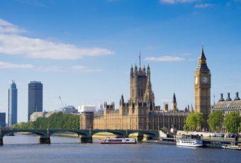 """Britai džiūgauja: po """"Brexit"""" referendumo turistai iš Azijos ir Artimųjų Rytų išleidžia gerokai daugiau"""