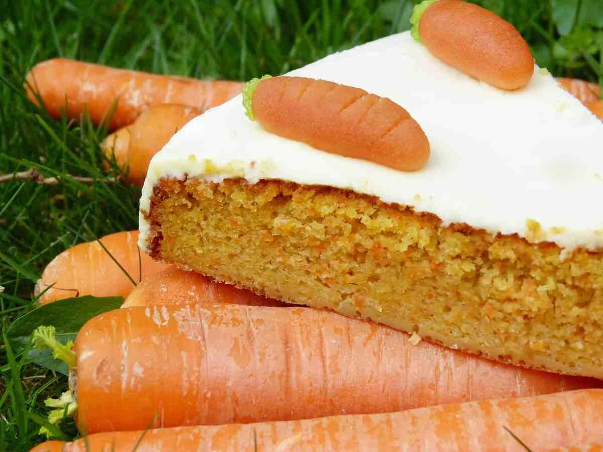 pastel de zanahoria y zanahoria