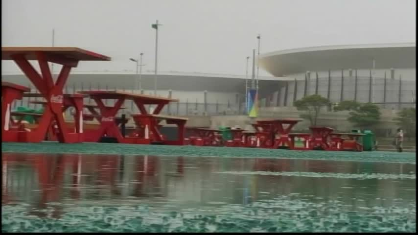 A Rainy Day in Rio Causes Problems for the Olympic Games_19997544-159532