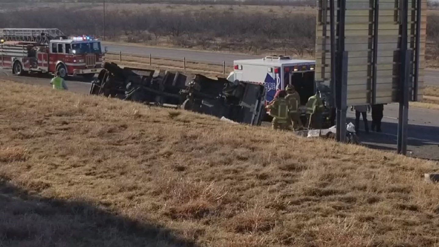 Two sisters, 11 and 14, killed in wreck on I-20 in east Abilene