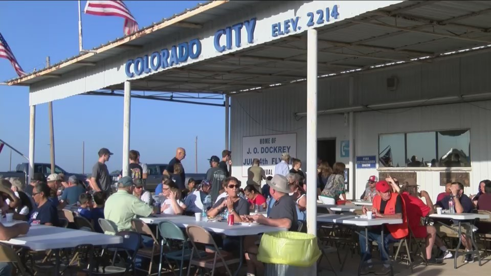 Colorado_City_hosts_Fourth_of_July_Fly_I_0_20180704193906