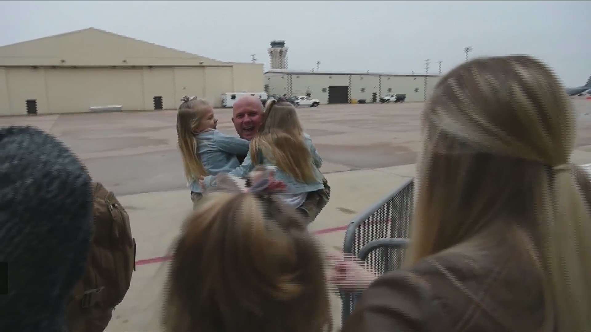 More than 300 airmen return home after 6-month deployment in Qatar