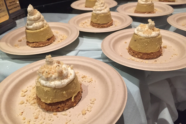 13 taste of burlington Queens Head banana cream pie