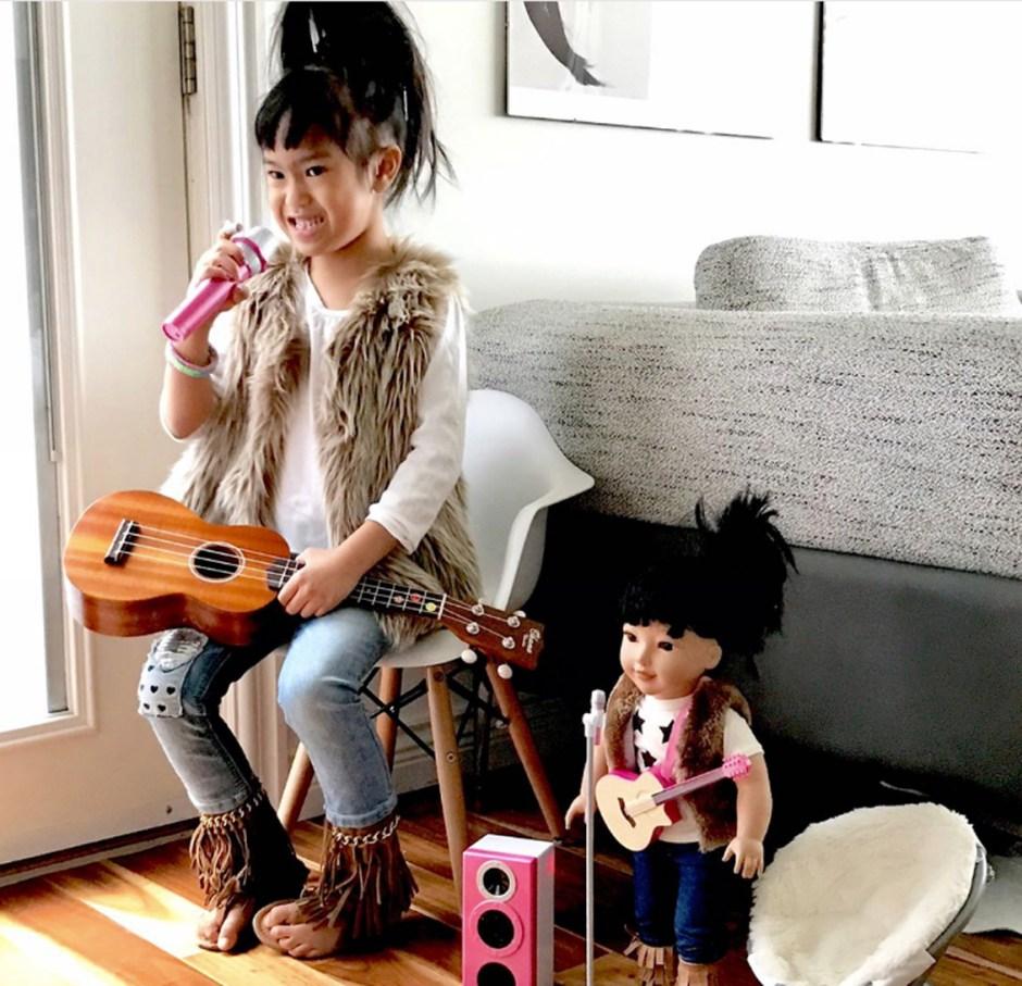 style fur with mic and ukulele