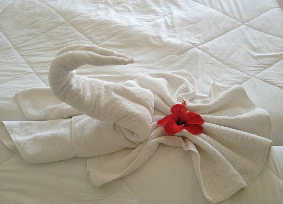 bedroom bed swan