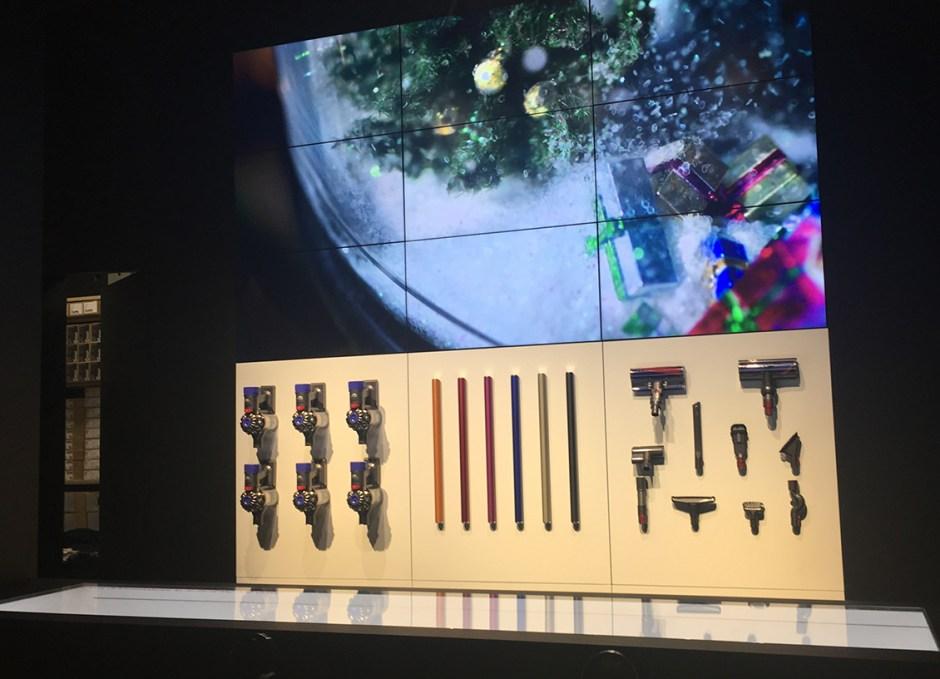 dyson demo store customization bar