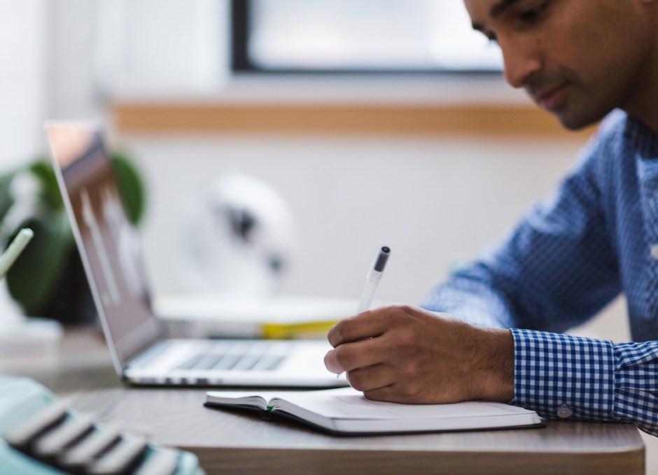 essay writing at computer