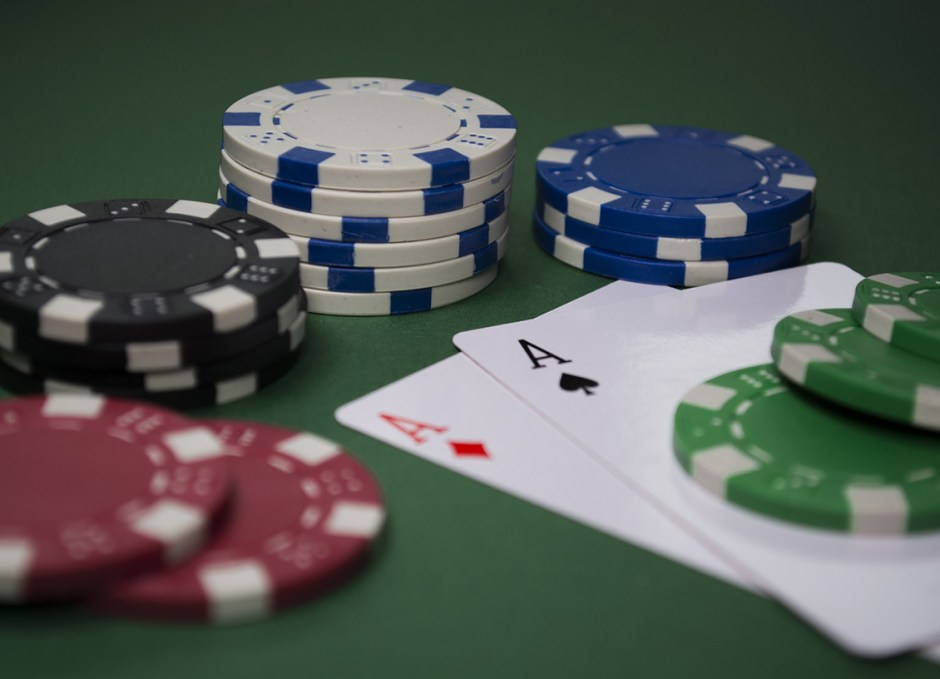 online casinos poker
