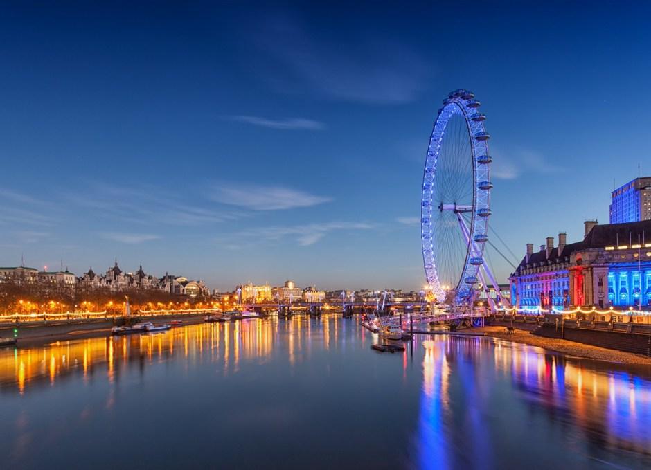 dinner cruise thames river london eye dusk