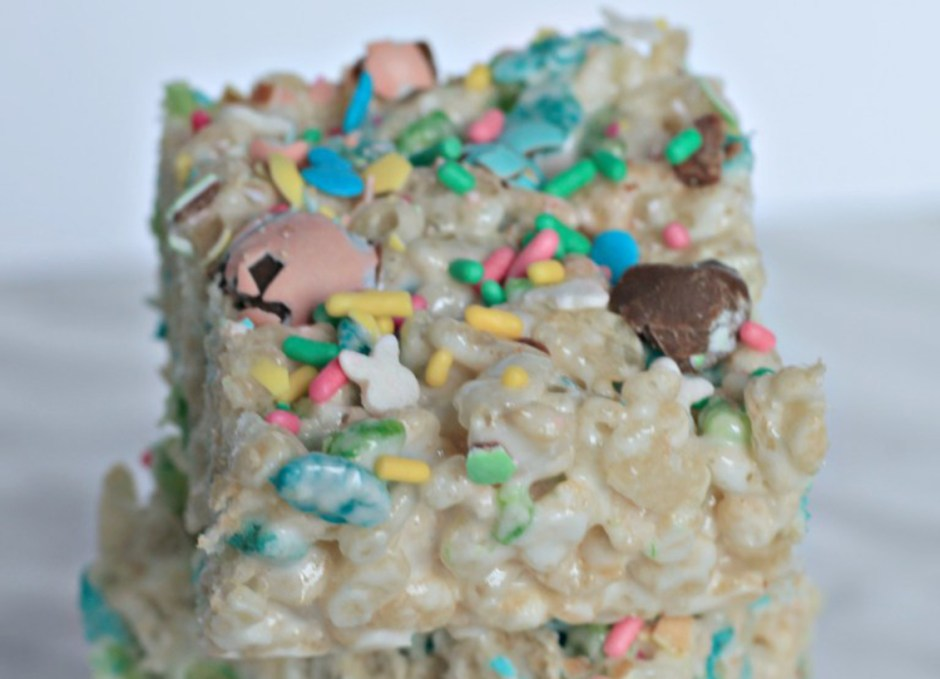 easter treats 15 Easter Bunny Rice Krispie Squares