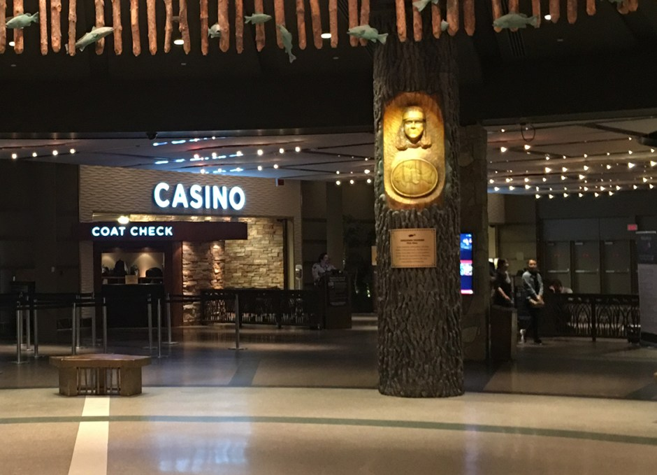 ontarios lake country casino entrance