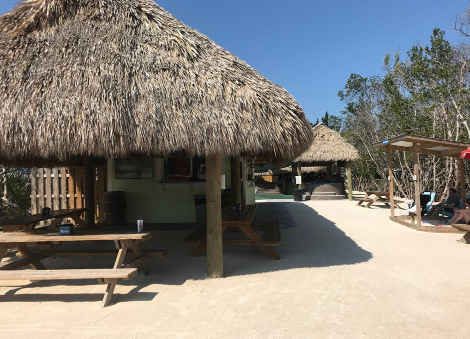 Aquarium Encounters cafe and seating