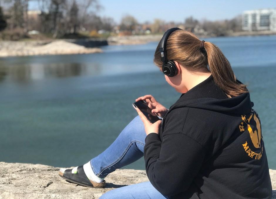 EP-B36 Bluetooth Headphones Rachel on rocks