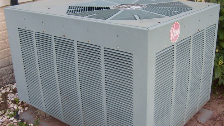 Signs You Need to Check for Air Conditioning Unit Replacement