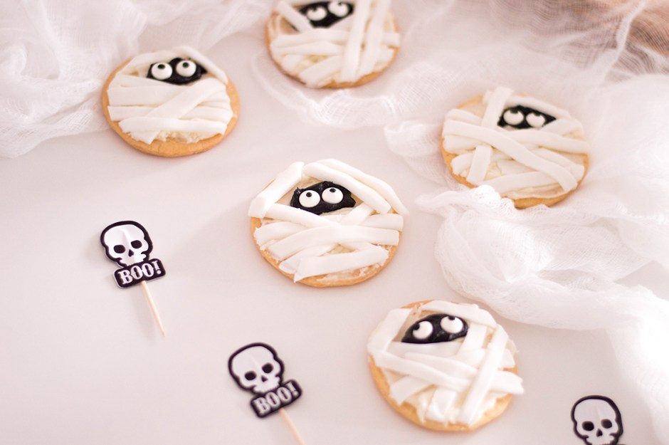 06 Mummy Sugar Cookies Halloween Treats 2018