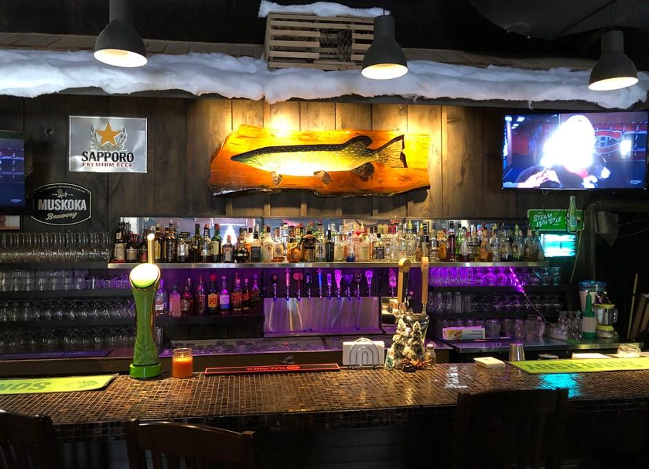 Lake Country Grill bar