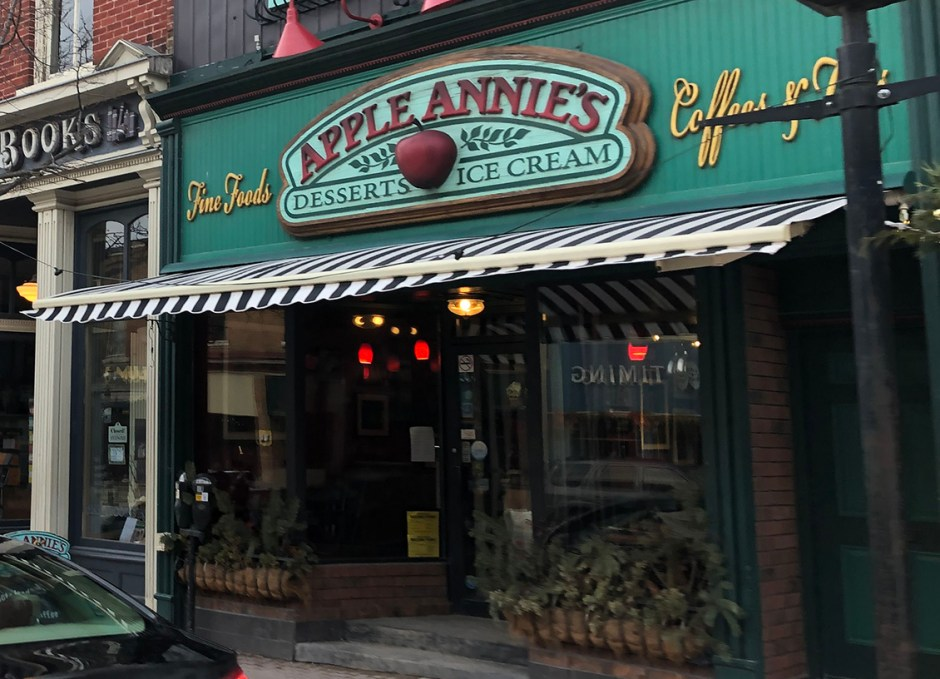 shop downtown orillia apple annies