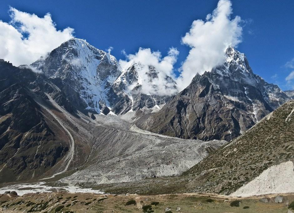 trekking in nepal everest