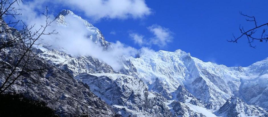 trekking langtang valley
