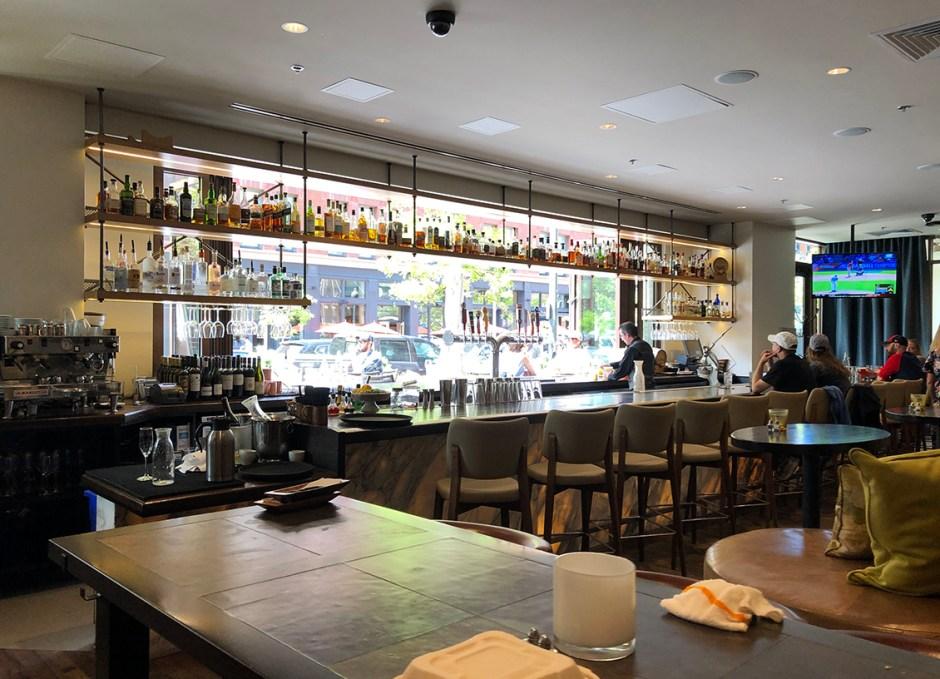 Avelina bar
