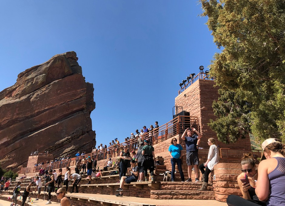 red rocks tourists