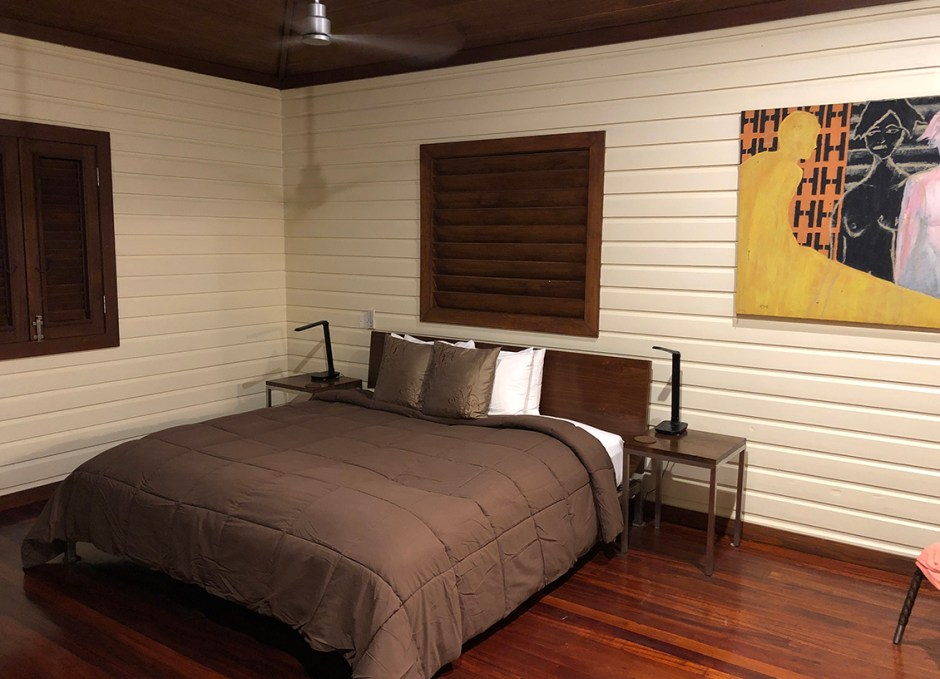 Pagua Bay House bed