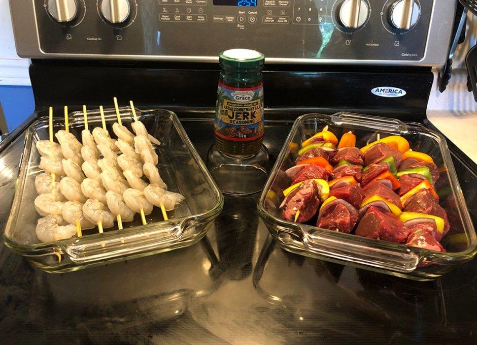 grace foods jerk raw shrimp and beef with jerk seasoning