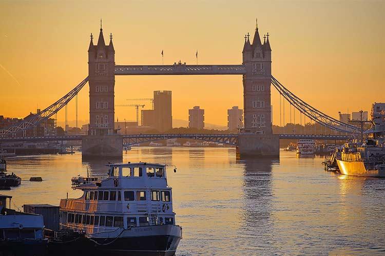 one of 9 iconic London landmarks
