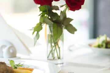 valentines meal in dine in deals for two