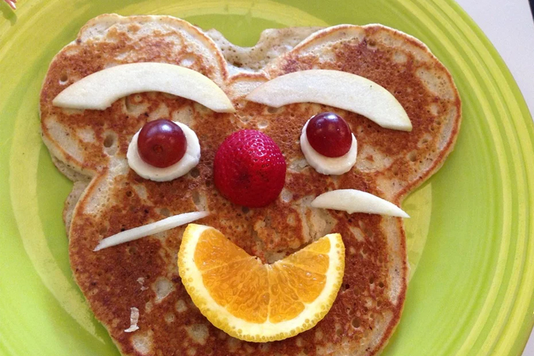 mouse face on a pancake