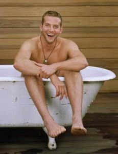 bradley-cooper-bathtub