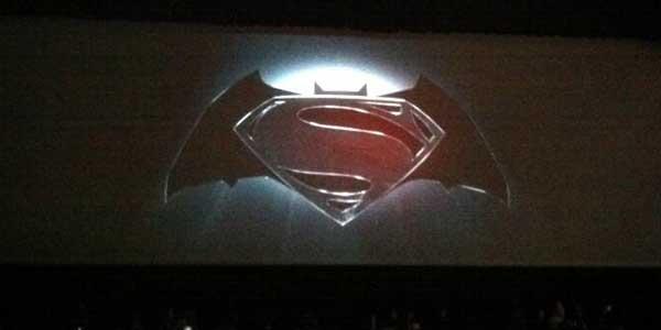 batman-superman-comic-con-logo