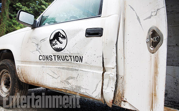 jurassic-world-set-pic2