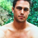 """Crush Of The Day: Taylor Kinney <span class=""""pt_splitter pt_splitter-1"""">Shows Some Flesh (& A Little More) In Early Modelling Photos</span>"""