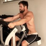 """Crush Of The Day: Chris Hemsworth Gets Hot & Shirtless<span class=""""pt_splitter pt_splitter-1""""> To Show-Off His Thor Workout</span>"""