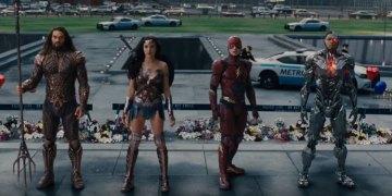 "Justice League Extended Trailer<span class=""pt_splitter pt_splitter-1""> – Batman, Wonder Woman, Cyborg & Flash unite</span>"