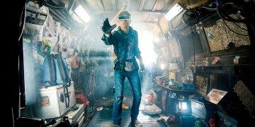 "Ready Player One Trailer<span class=""pt_splitter pt_splitter-1""> – The Iron Giant & BTTF DeLorean appear in Steven Spielberg's reference-heavy world</span>"